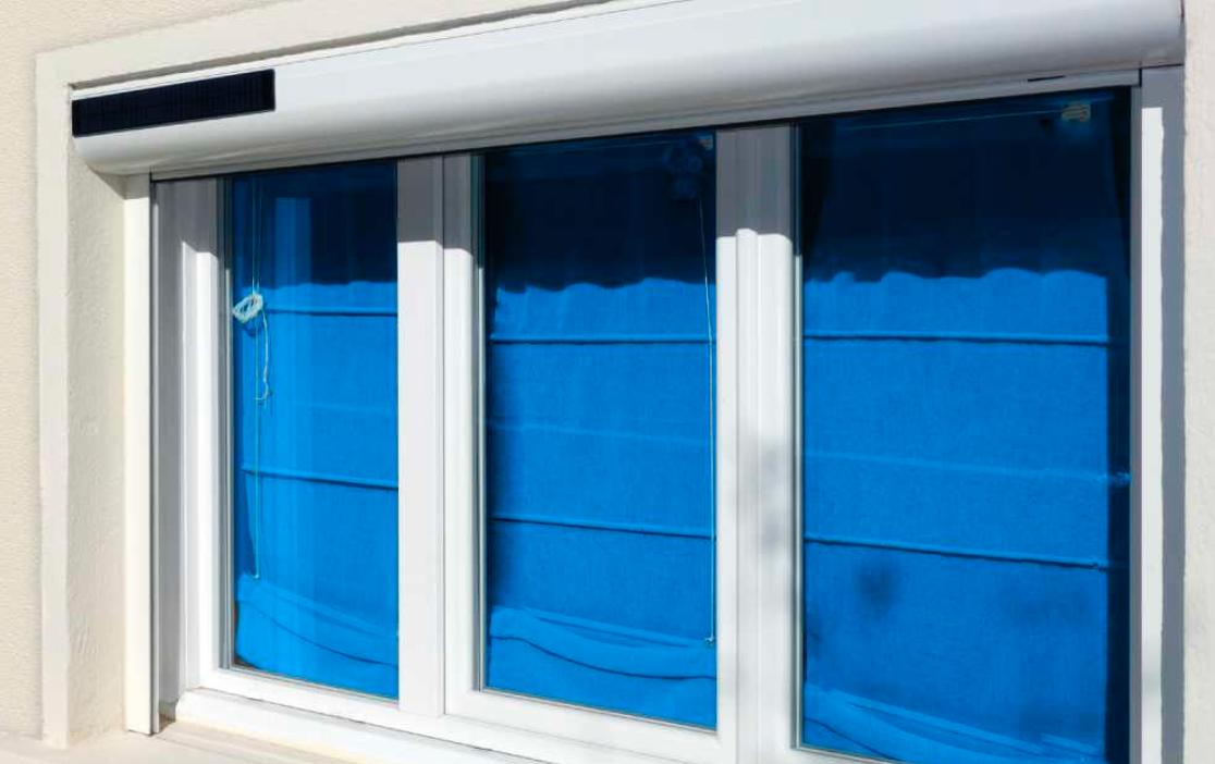 les volets roulants solaires sont disponibles sur store volet. Black Bedroom Furniture Sets. Home Design Ideas